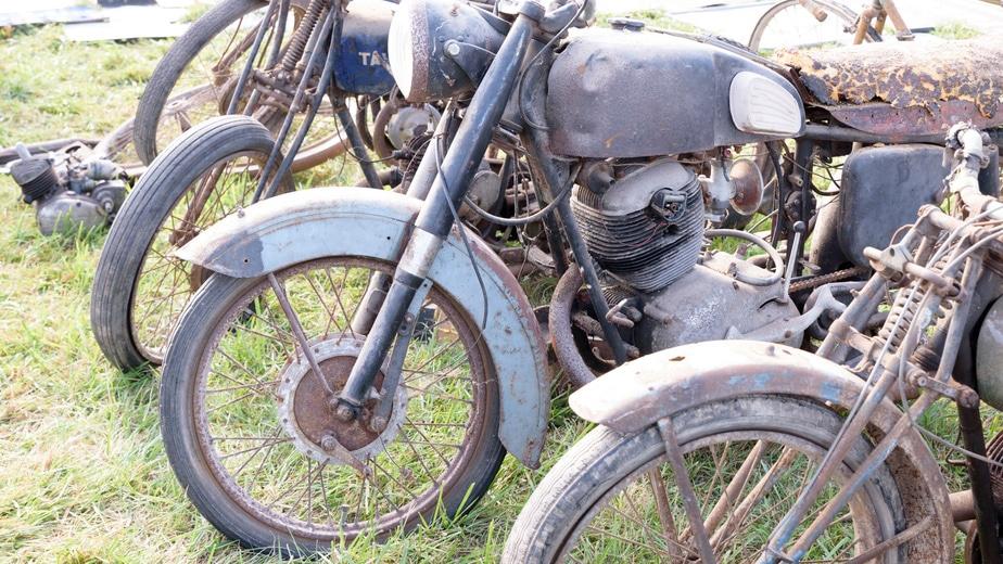 Le sablage d'une moto redonne de l'éclat à votre machine